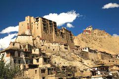 Монастырь дворца и Tsomo Leh на верхней части, Ladakh, Джамму и Кашмир, Индия Стоковая Фотография