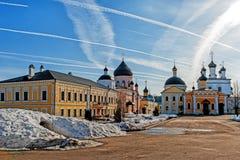 Монастырь восхождения Дэвида дезертирует в районе Chekhov памятников России, исторических и культурных  стоковые фото