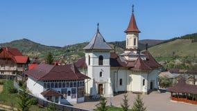 Монастырь в Mănăstirea Humorului, регионе Bucovina Румыния стоковое изображение