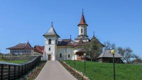 Монастырь в Mănăstirea Humorului, регионе Bucovina Румыния стоковое фото
