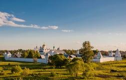 Монастырь монастыря заступничества или Pokrovsky в древнем городе Suzdal стоковые фотографии rf