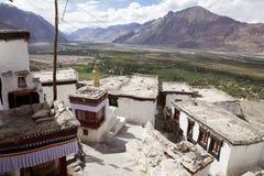 Монастырь Diskit в долине Nubra, Ladakh, Индии Стоковые Фотографии RF