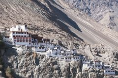 Монастырь Diskit на горе в долине Nubra стоковое изображение