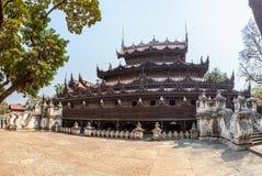 Монастырь Shwenandaw - Мандалай Стоковые Фото