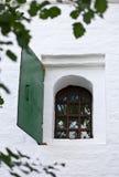 Монастырь Window.Savvino-Storozhevsky в Zvenigorod. Россия Стоковое Изображение