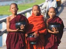 3 монаха мальчиков буддийских Стоковая Фотография