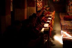 Монахи Лхаса Тибет монастыря Drepung Стоковая Фотография