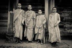 Монахи послушника буддийские Angkor Wat, Siem Reap, Камбоджи Стоковая Фотография
