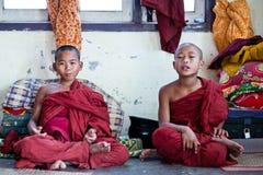 Монахи послушника, Мьянма Стоковые Фото