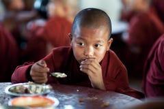 Монахи послушника, Мьянма Стоковая Фотография RF