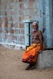 Монах в индийском виске Стоковые Фото