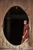 Монах послушника - Nyaungshwe - Мьянма (Бирма) Стоковая Фотография RF