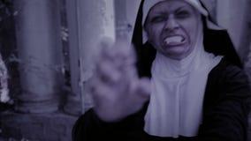 Ролики с монашками