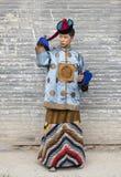 Монгольский человек в традиционном обмундировании стоковое фото rf