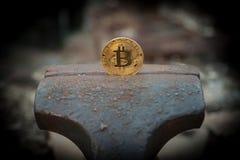 Монетка бита в недостатке стоковые фотографии rf