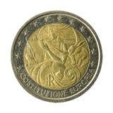монетка Италия евро 2 изолированная на белой предпосылке стоковые изображения