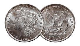 Монетка серебряного доллара США Моргана чеканила 1921, изолированный на белой предпосылке стоковое фото rf