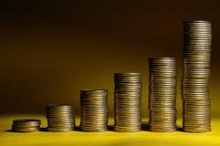 монетки диаграммы в виде вертикальных полос Стоковые Фото