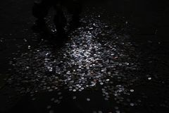 Монетки от на всем wolrd Стоковые Фотографии RF