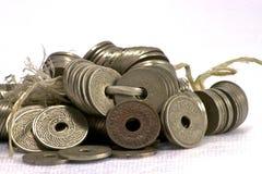 Монетки Сиама на белой предпосылке Стоковые Фото
