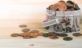 Монетки США в коробке металла Стоковые Фото