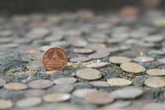 Монетки Таиланд на старой серебряной монете на предпосылке стоковое фото rf