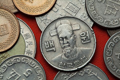 Монетки Южной Кореи Корейский военноморской командир Yi Sun Sin стоковые фото