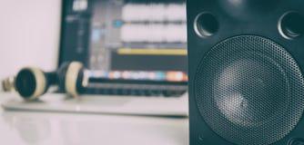 Монитор диктора студии на студии музыки Стоковая Фотография RF