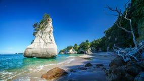 Монолит песчаника, бухта собора, полуостров coromandel, Новая Зеландия 4 стоковое фото