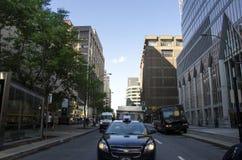 Монреаль, Квебек, Канада - 18-ое июля 2016 - родовая улица внутри вниз Стоковая Фотография