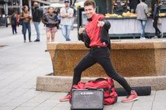 МОНРЕАЛЬ, КВЕБЕК, КАНАДА - 20-ОЕ МАЯ 2018: уличные исполнители Монреаль в Монреале стоковое изображение rf