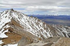 Монтгомери выступает как осмотрено от саммита пика в белых горах, Невады границы стоковые изображения