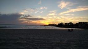 Монтевидео на заходе солнца на Рио Ла-Плата стоковые изображения rf