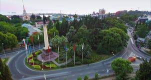 Монументальный столбец с статуей Архангела Майкл видеоматериал