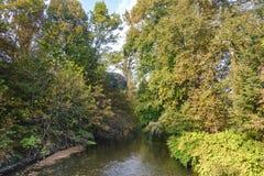 Монца Италия: Река Lambro в парке Стоковые Изображения