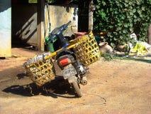 Мопед в Бирме стоковое изображение rf