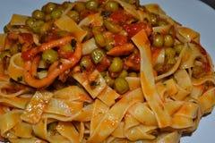 Морепродукты лапшей, итальянский кузен, очень вкусный!! стоковые фото