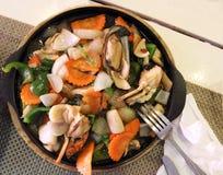 Морепродукты, испаренные с овощами Стоковые Изображения