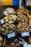 Морепродукты на рыбном базаре в Пусане, Южной Корее Стоковое Изображение RF