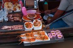 Морепродукты на шлюпке для путешественника Стоковое Фото