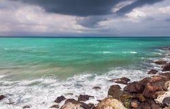 Море аквамарина перед штормом Стоковое Фото