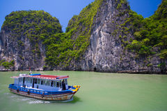 море ландшафта рисуночное залив ha длинний Вьетнам стоковое фото