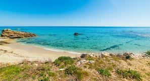 Море бирюзы в пляже Санты Giusta Стоковая Фотография RF