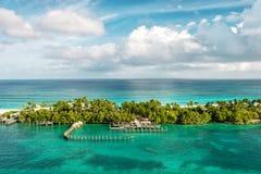 Море бирюзы и голубое небо Море ландшафта природы карибское Стоковая Фотография RF