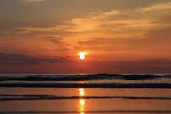 Море благоустраивает заход солнца природы океана during the time стоковое изображение