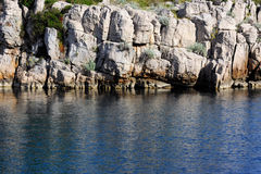 море голубого свободного полета утесистое Стоковое фото RF