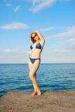 море девушки пляжа Стоковые Изображения