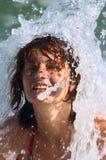 море девушки под волной Стоковое фото RF