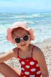 море девушки пляжа счастливое Стоковые Изображения
