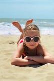 море девушки пляжа счастливое Стоковое Фото